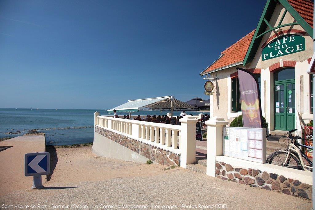 le café de la plage à st hilaire de riez
