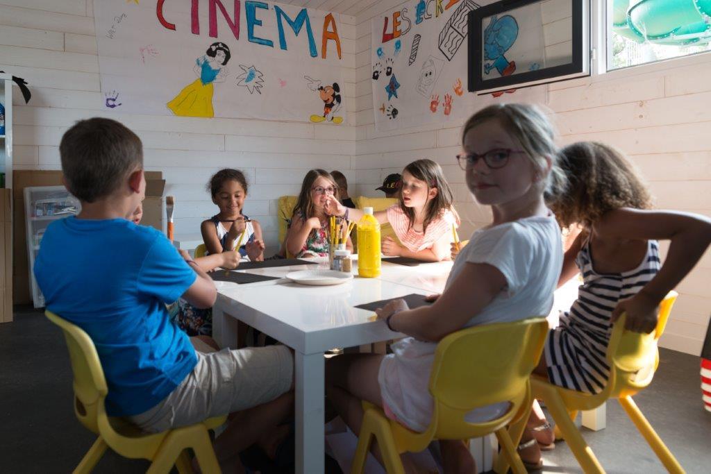 vue camping 5 étoiles les Chouans en Vendée club enfants