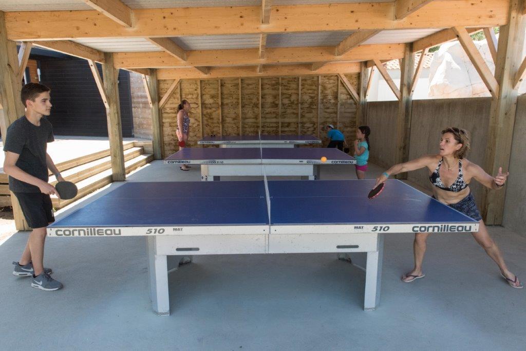 salle de ping-pong camping 5 étoiles les Chouans en Vendée