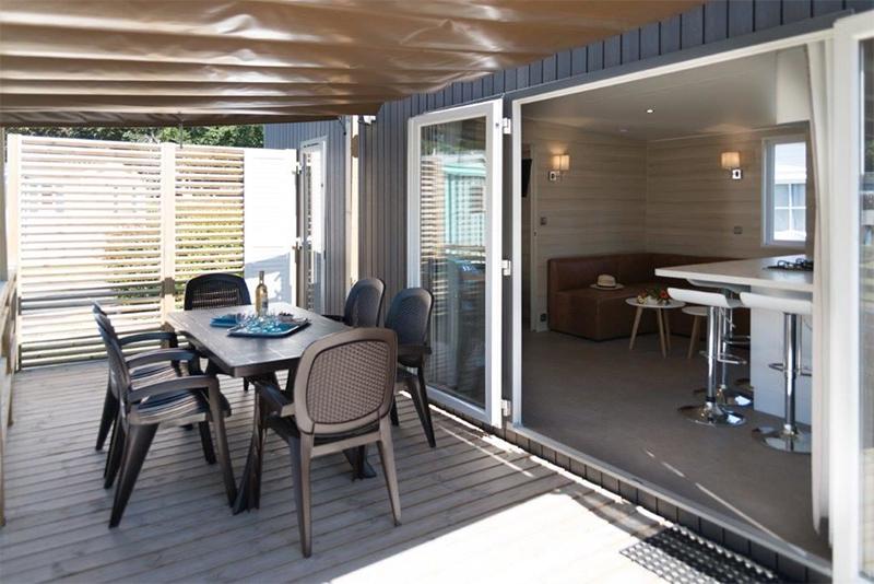Terrasse Mobil-home de qualité en Vendée